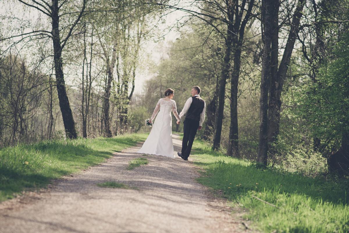 Andrea und Matthias kirchliche Hochzeit in Aham und Mengkofen
